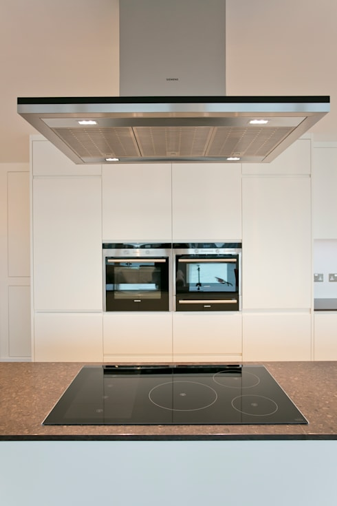 Kitchen appliances: modern Kitchen by Temza design and build