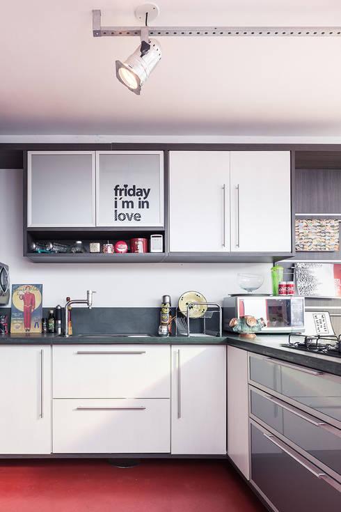 Cozinha: Cozinhas  por Blacher Arquitetura