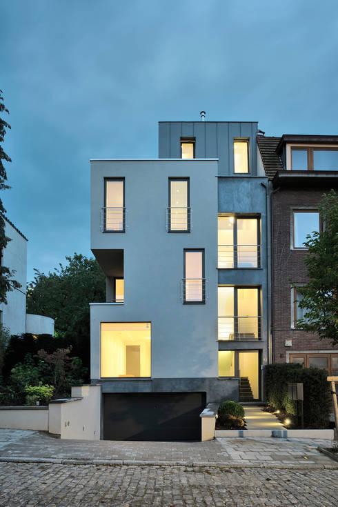Lecointe: Maisons de style  par atelier d'architecture FORMa*