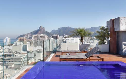 Vista terraço: Terraços  por House in Rio