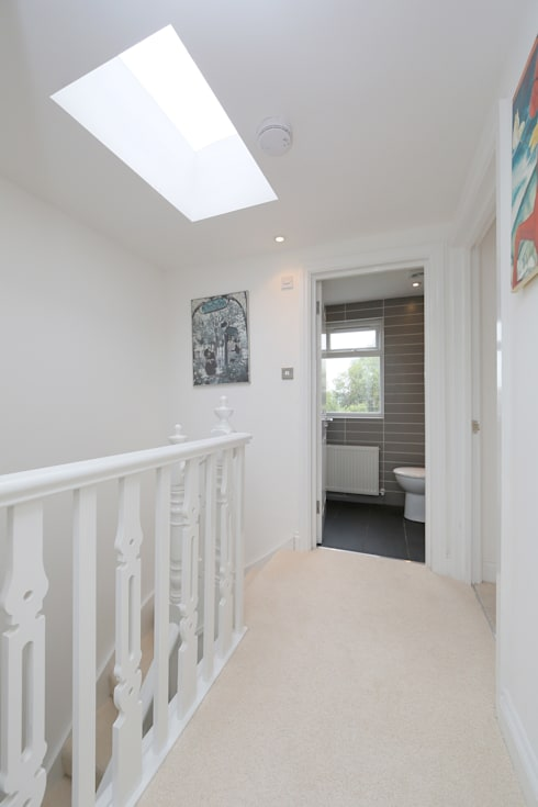 ​hip to gable loft conversion wimbledon:  Corridor & hallway by nuspace