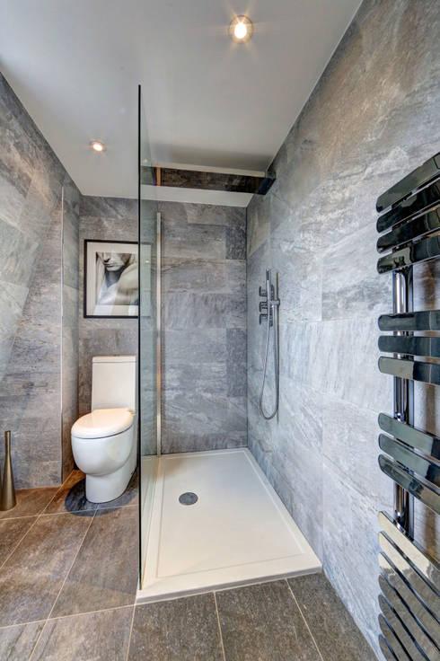 mansard loft conversion wandsworth:  Bathroom by nuspace