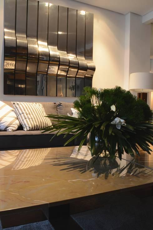 Estar : Salas de estar modernas por House in Rio