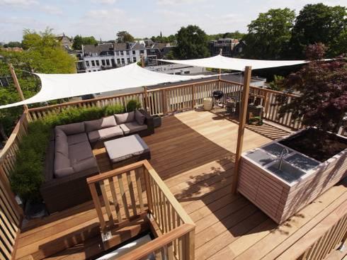 Schaduwdoeken: modern Balkon, veranda & terras door ScottishCrown Dakterrassen