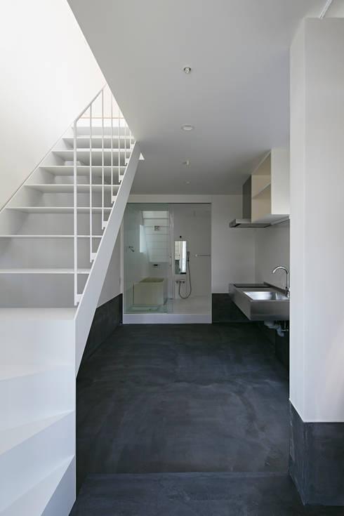 sandwich apartment: 池田雪絵大野俊治 一級建築士事務所が手掛けたダイニングです。