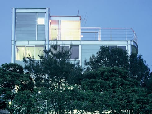 SILVER WAVE: SOCIUS一級建築士事務所が手掛けた家です。