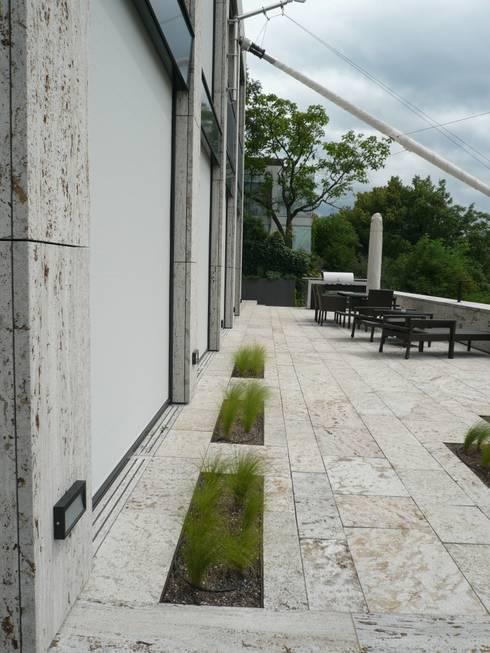 Jardin de style  par Pfrommer + Roeder