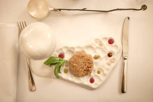 eclectic Dining room by Bram van Leeuwenstein