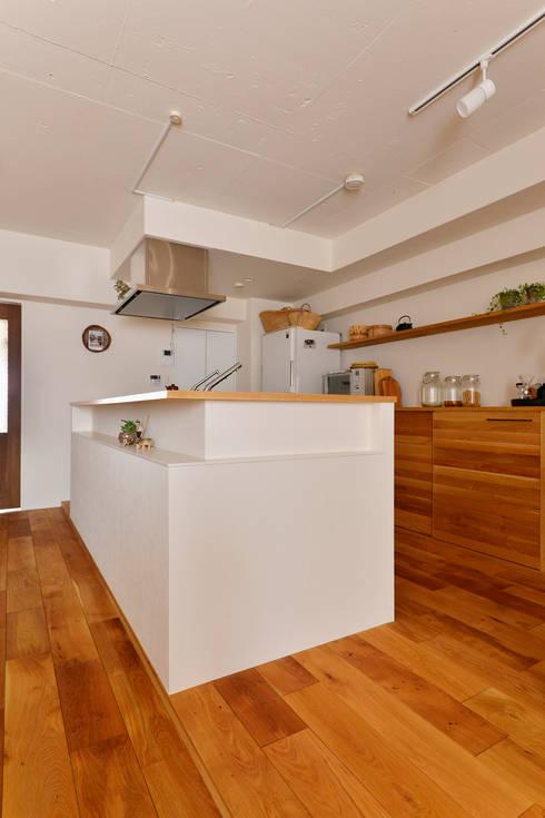 余白をデザインする: 株式会社スタイル工房が手掛けたキッチンです。