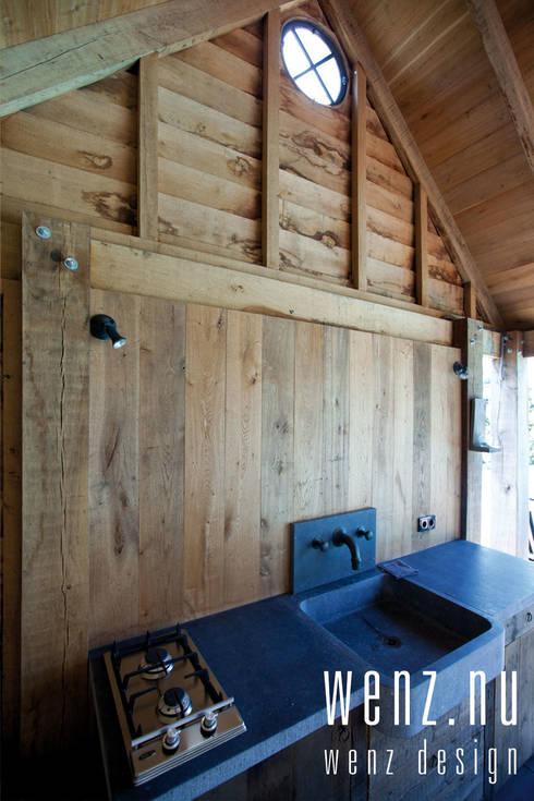WENZdesign Poolhouse: landelijke Huizen door WENZdesign