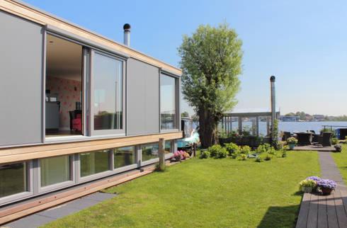 Recreactie watervilla: moderne Huizen door Bob Ronday Architectuur
