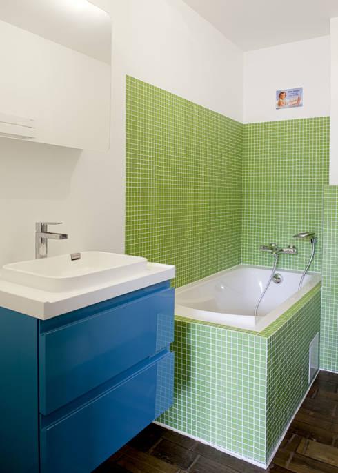 Ванные комнаты в . Автор – atelier—ZOU
