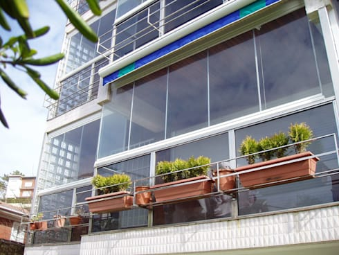 Acristalamiento de Balcones: Terrazas de estilo  de IBZ Cristal