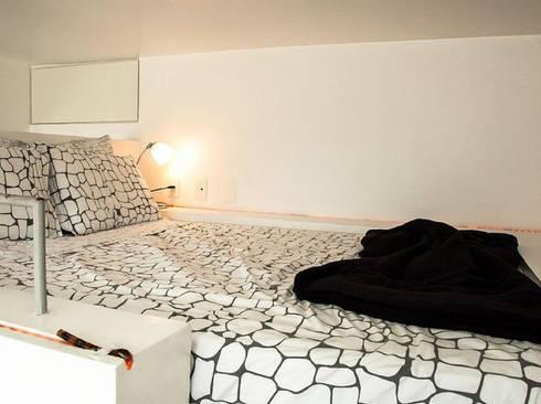 apartamento em Ipanema: Quartos  por Margareth Salles