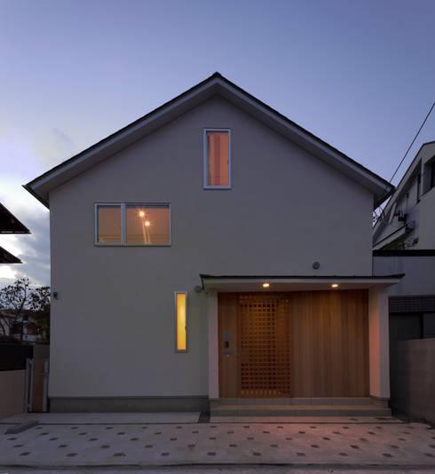 シンプルな家型の外観。: FURUKAWA DESIGN OFFICEが手掛けた家です。