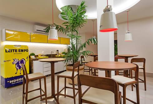CAFÉ CENTRAL : Espaços comerciais  por Studio Karla Oliveira