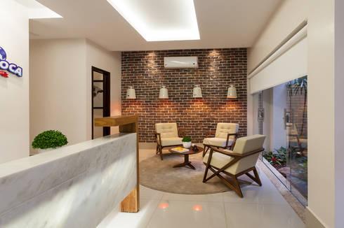 RECEPÇÃO : Edifícios comerciais  por Studio Karla Oliveira