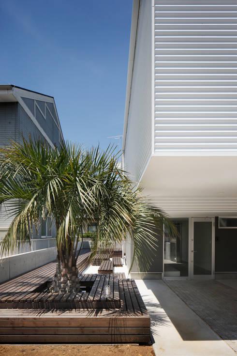 l a n i: *studio LOOP 建築設計事務所が手掛けた庭です。