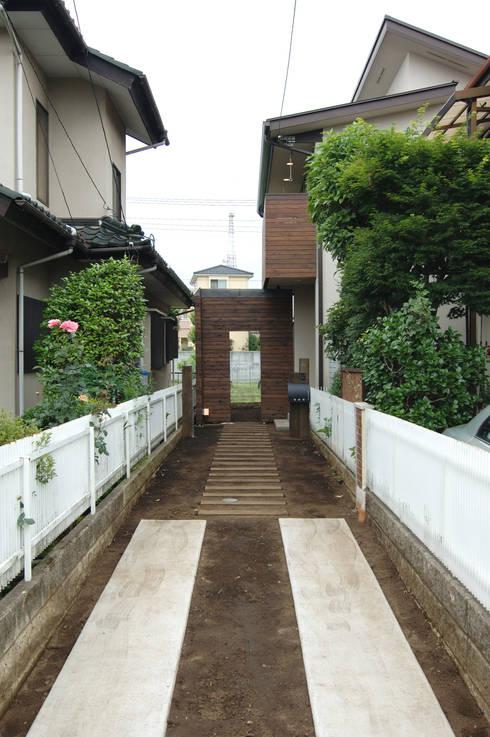 Roji: (有)RABBITSON一級建築士事務所が手掛けた庭です。