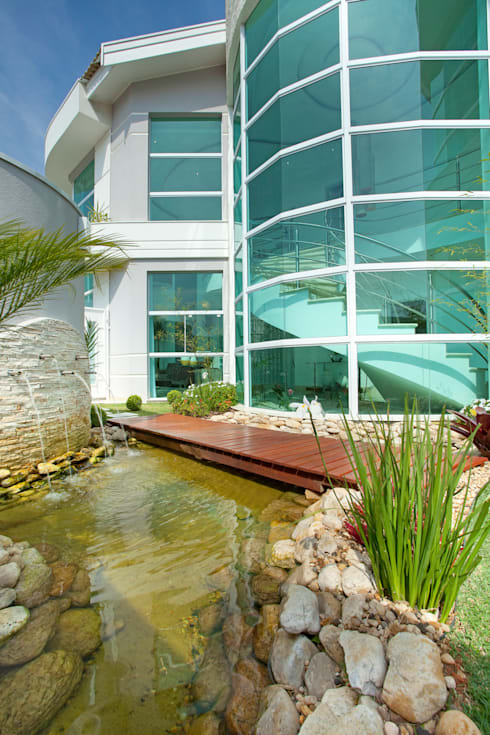 Jardín de estilo  por Arquiteto Aquiles Nícolas Kílaris