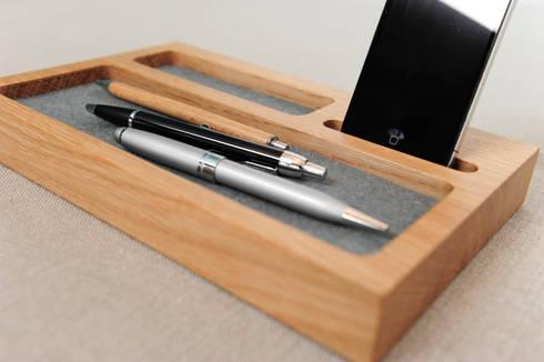 schreibtischablage mit handyhalter von klaus maier. Black Bedroom Furniture Sets. Home Design Ideas
