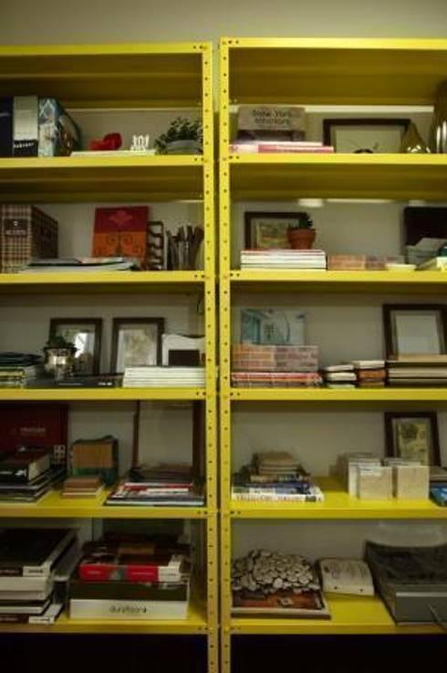 Escritório DUET Arquitetura: Lojas e imóveis comerciais  por DUET ARQUITETURA