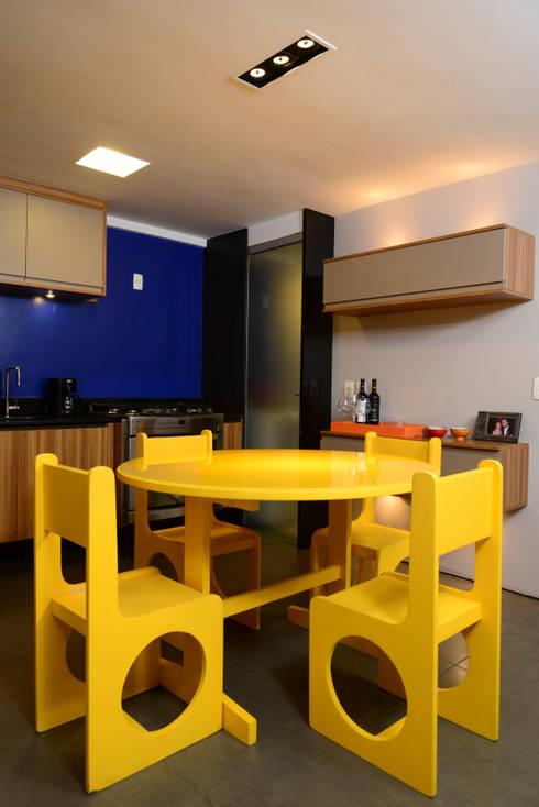 Cozinha Integrada : Cozinhas modernas por Alexandre Magno Arquiteto