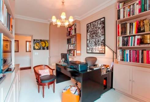 Home Office: Cozinhas clássicas por Pereira Reade Interiores