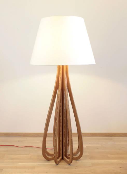 Melissandre: Salon de style de style Moderne par Good Morning Design