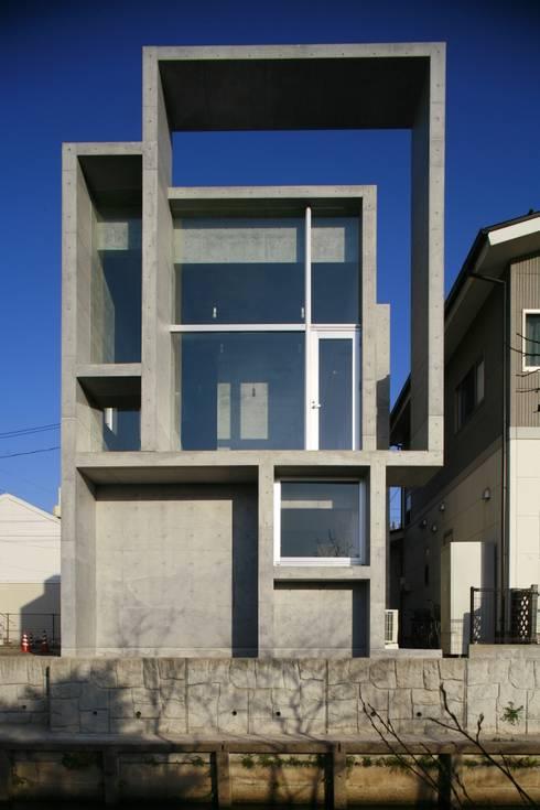 moderne Huizen door 白根博紀建築設計事務所