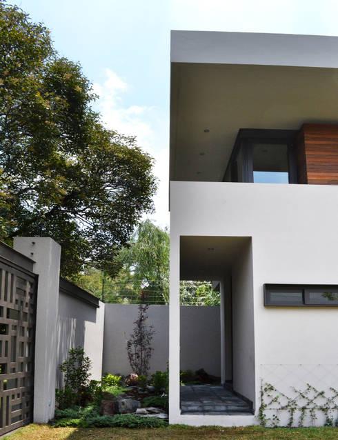 CASA UD: Casas de estilo moderno por citylab Laboratorio de Arquitectura