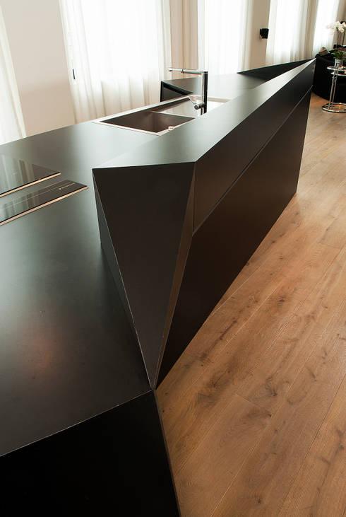 Loft Lille : Cuisine de style de style Moderne par Frédéric Haesevoets Architecture