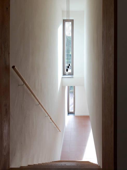 Zicht naar souterrain:   door Artesk van Royen Architecten