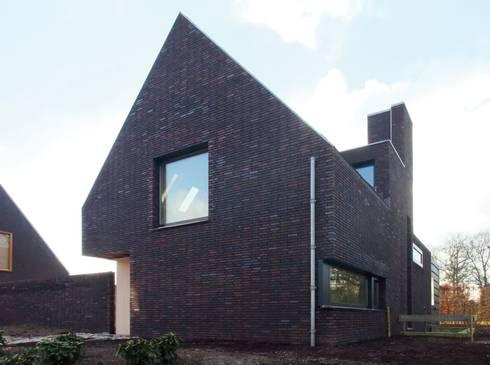 voorgevel:   door Thomas Kemme Architecten
