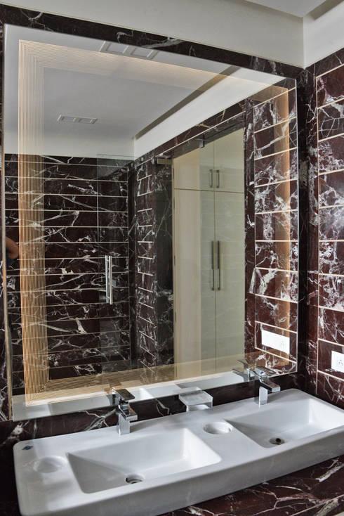 'Lines' Glazz Mirrors: modern Bathroom by Alguacil & Perkoff Ltd.