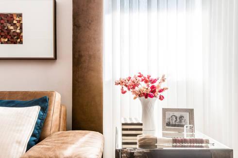 Detalhes que fazem a diferença: Salas de estar modernas por Barbara Dundes | ARQ + DESIGN