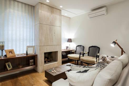 _IN Panamby: Salas de estar modernas por ARQ_IN