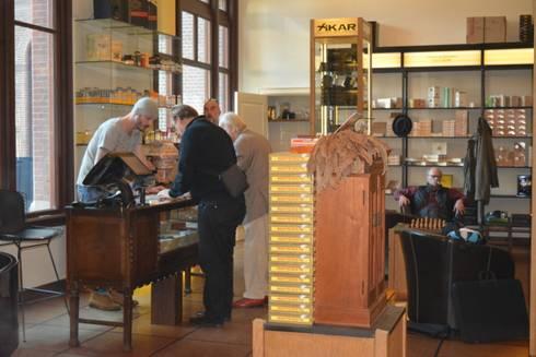 Balie :  Kantoren & winkels door Axel Grothausen BNI