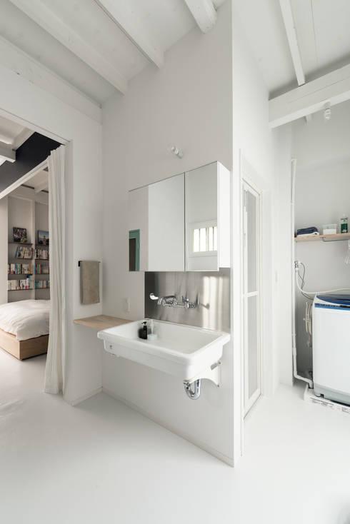 ห้องน้ำ by coil松村一輝建設計事務所