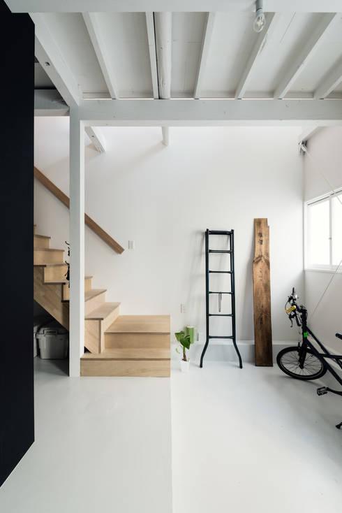 Media room by coil松村一輝建設計事務所