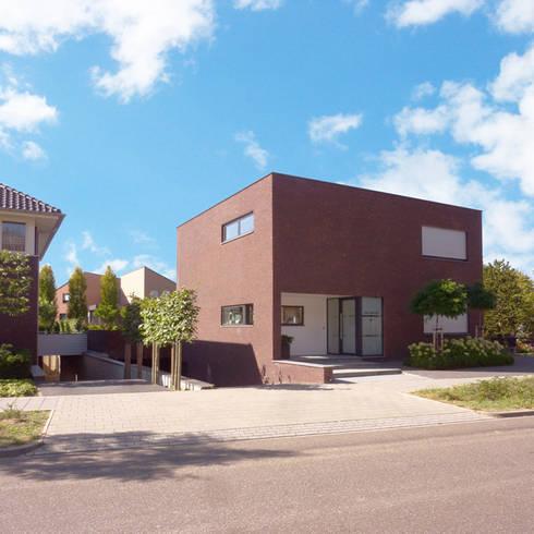 Woonhuis Landgraaf: moderne Huizen door SeC architecten
