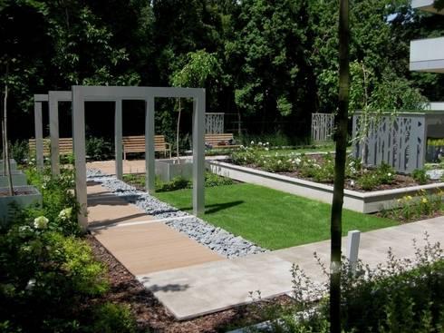 ogr d nowoczesny by sungarden projektowanie i urz dzanie ogrod w homify. Black Bedroom Furniture Sets. Home Design Ideas