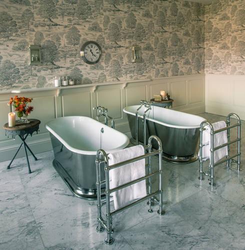 Casa de banho  por Drummonds Bathrooms