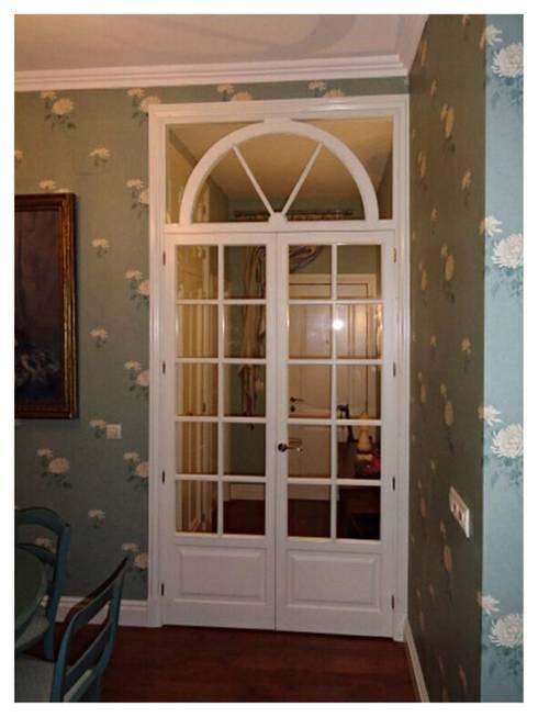 Fenêtres de style  par MUEBLES DE LA GRANJA