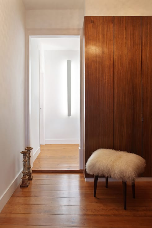 Apartamento A3_Reabilitação Arquitectura + Design Interiores: Corredores e halls de entrada  por Tiago Patricio Rodrigues, Arquitectura e Interiores