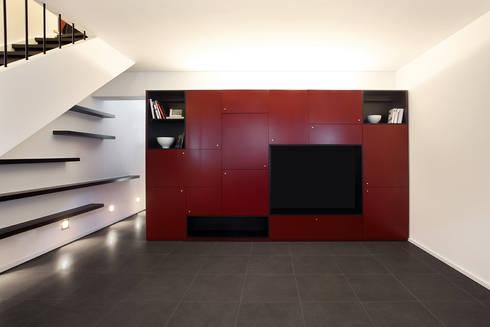 Duplex Olivais _ Reabilitação Arquitetura: Salas de estar modernas por Tiago Patricio Rodrigues, Arquitectura e Interiores