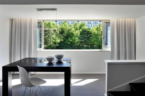 Duplex Olivais _ Reabilitação Arquitetura: Salas de jantar modernas por Tiago Patricio Rodrigues, Arquitectura e Interiores