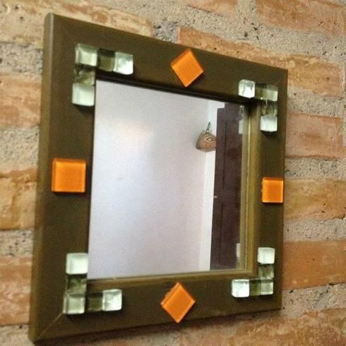 Espejos decorados con venecitas de artesana homify for Espejos ovalados decorados