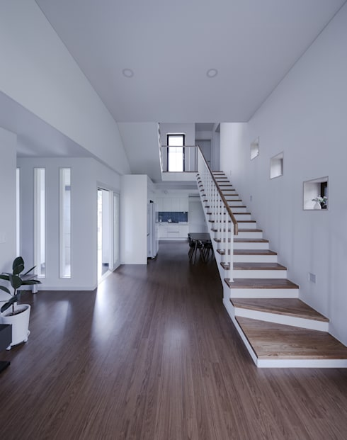 Corridor & hallway by KDDH Architects