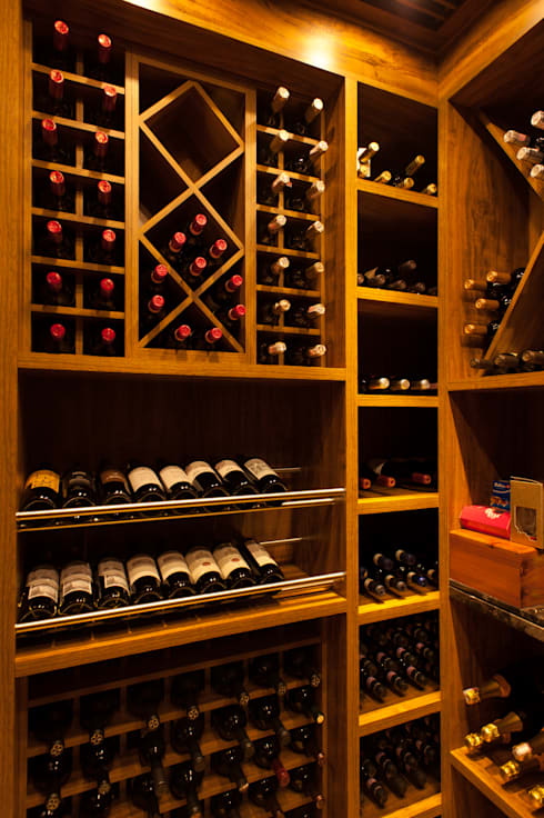 modern Wine cellar by PM Arquitetura